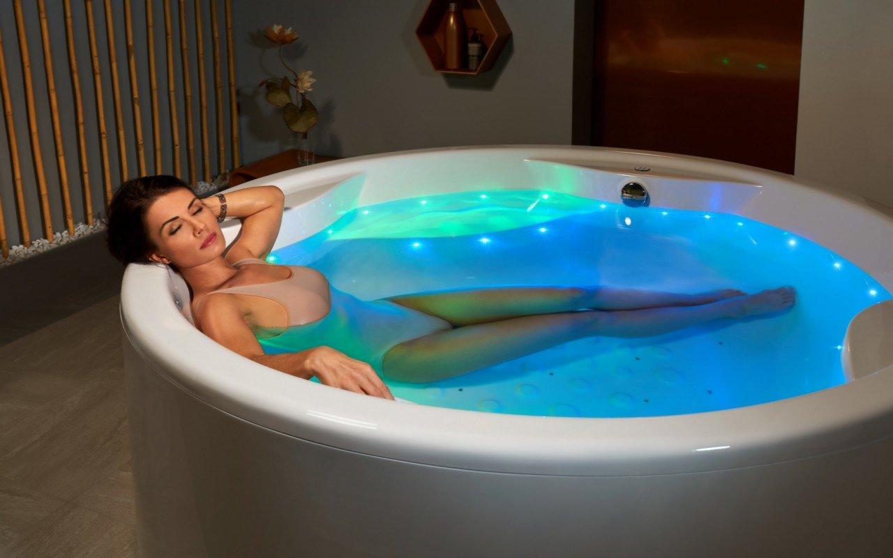Aquatica Allegra Wht Freestanding Relax Air Massage Bathtub web(3)