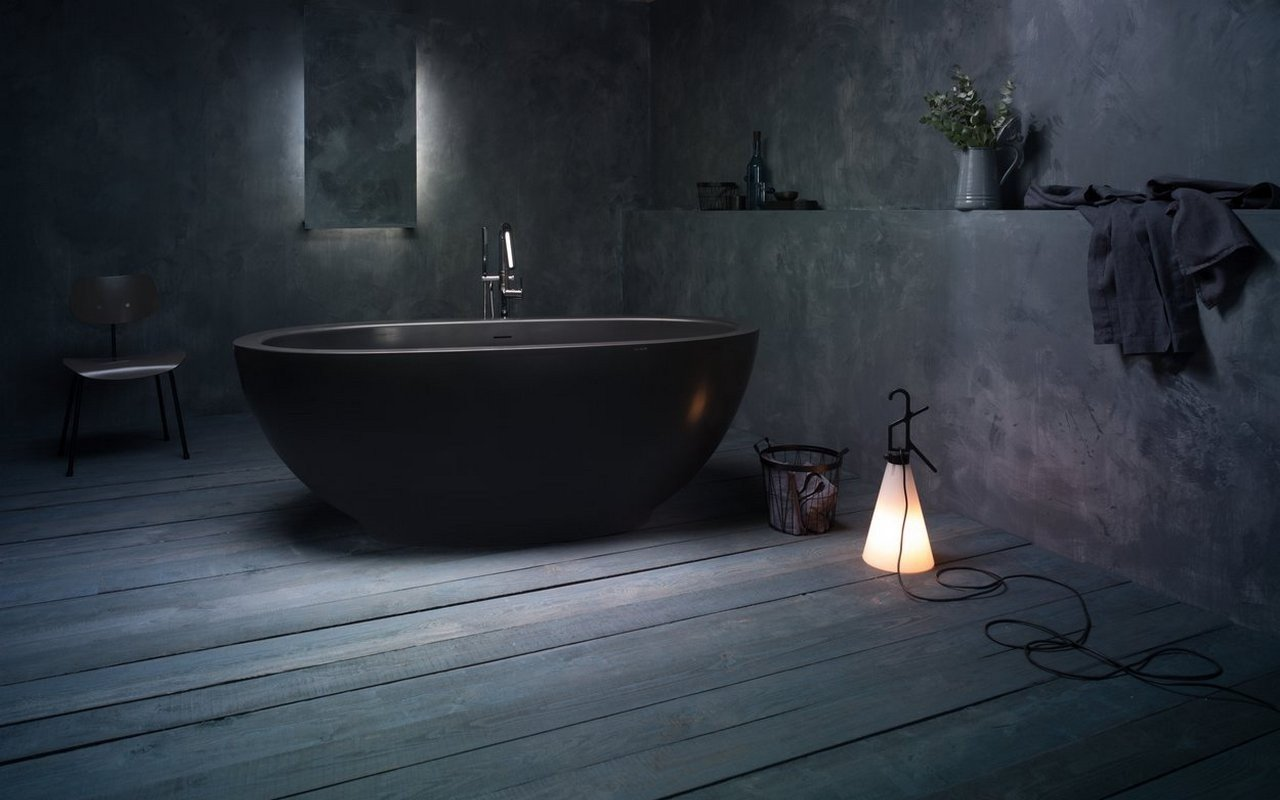 Aquatica Karolina 2 Graphite Black Solid Surface Bathtub 01 (web)