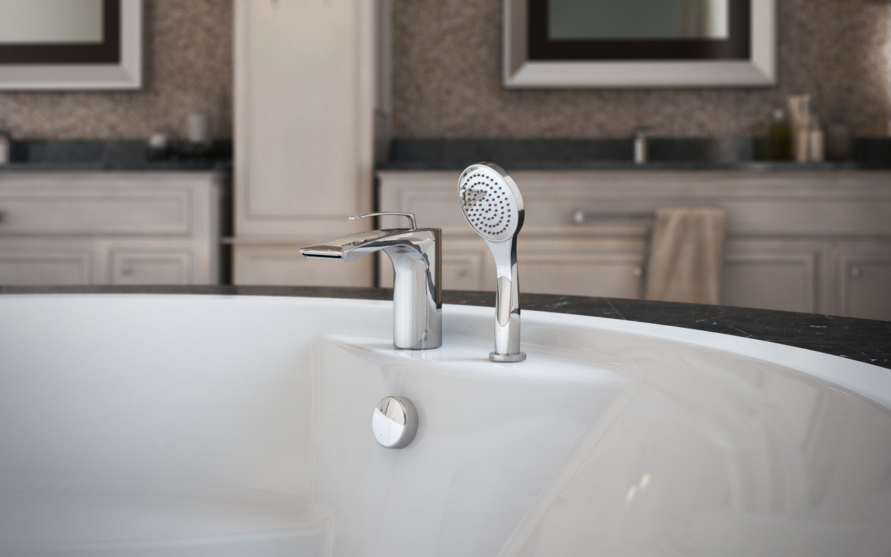 Bollicine d 121 faucet deck mounted tub filler chrome by Aquatica 02 (web)