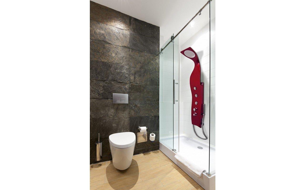 Elise Red Shower web (2)