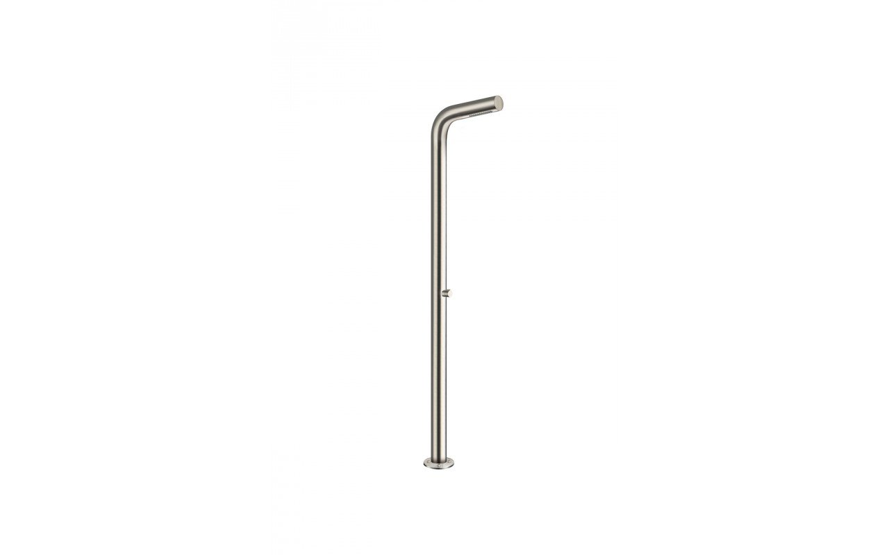 Gamma 510 freestanding outdoor shower 01 (web)