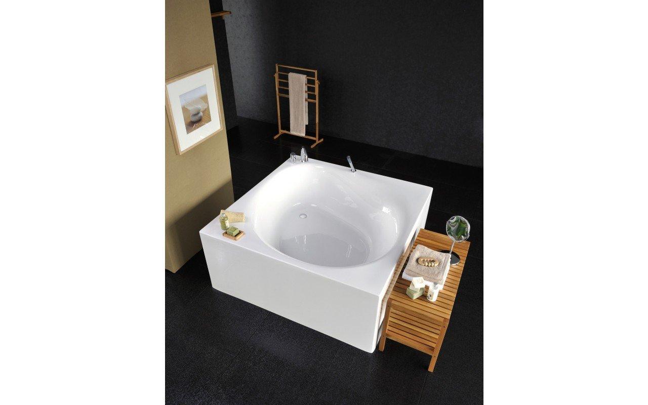 Vasche Da Bagno Quadrate : Bagno con finestra quadrata u foto stock denisismagilov