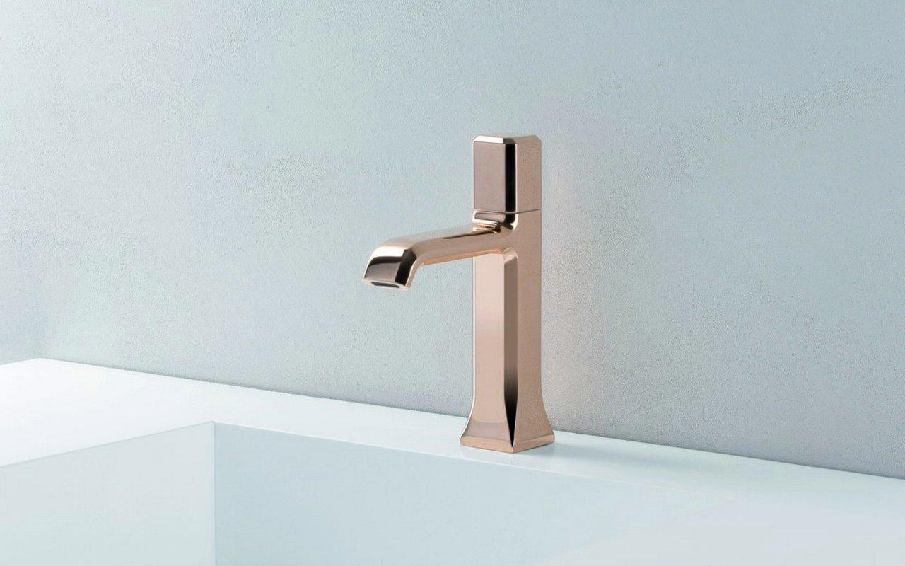 Loren 5 Sink Faucet 02 (web)