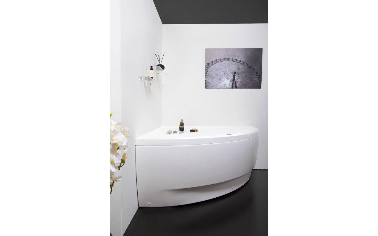 Olivia Relax Corner Acrylic Air Massage Bathtub by Aquatica web DSC2581