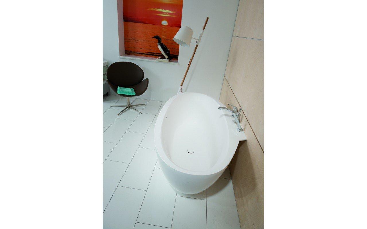Sensuality Mini-W-Wht, la vasca da bagno freestanding di Aquatica in piàtra AquateX™