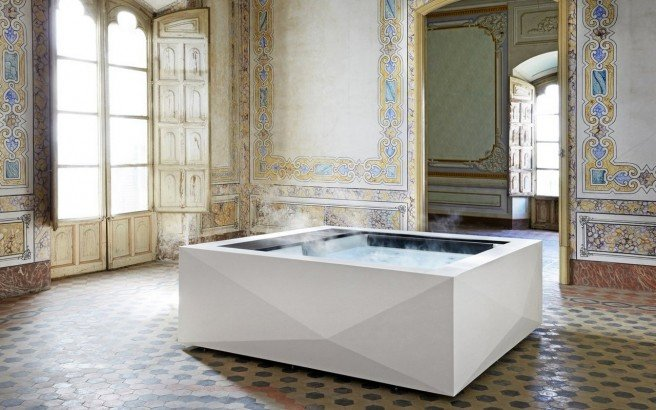 Aquatica Crystal Spa 220 240V 50 60Hz 01 (web)