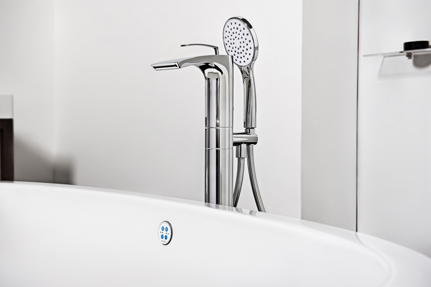 Bollicine Floor Mounted Bath Filler Chrome 01