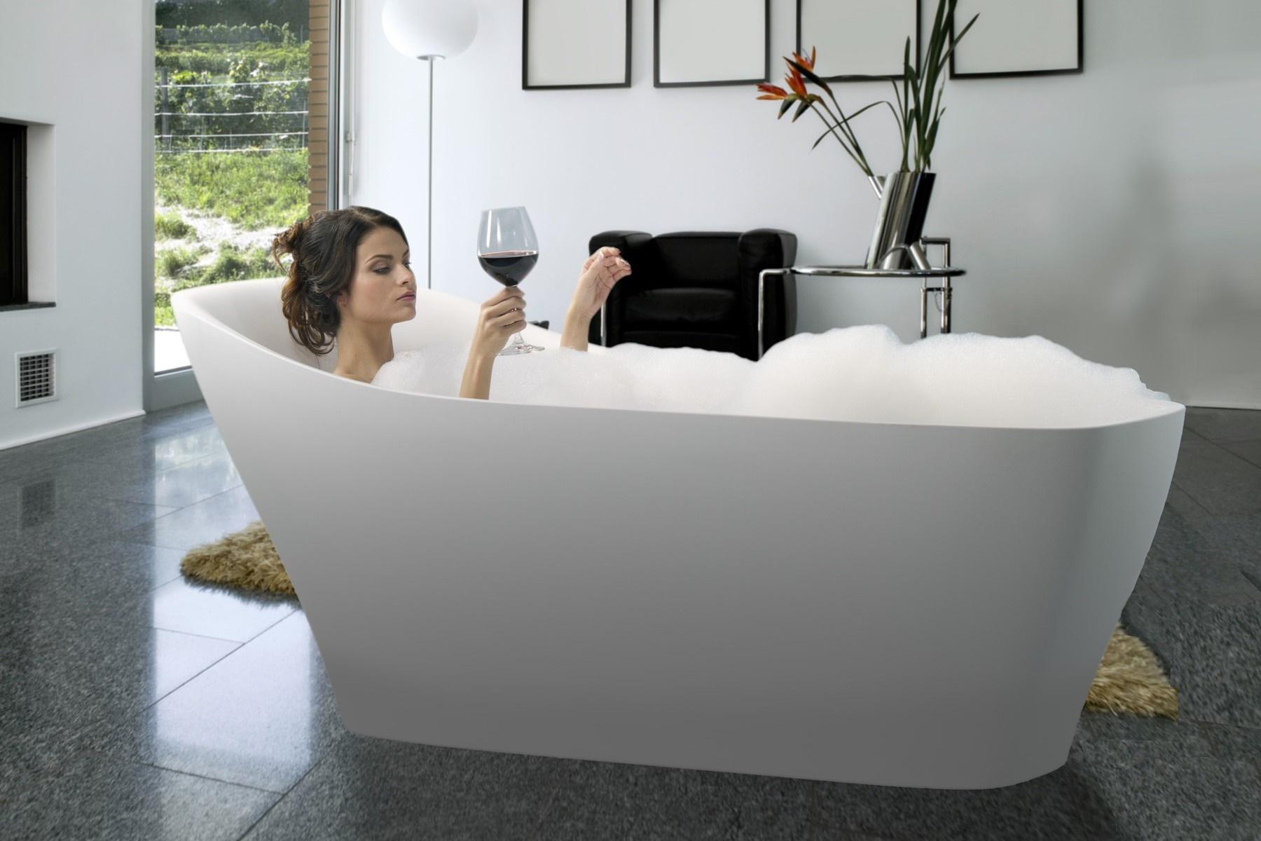 Emmanuelle-Wht, la vasca da bagno freestanding di Aquatica in ...